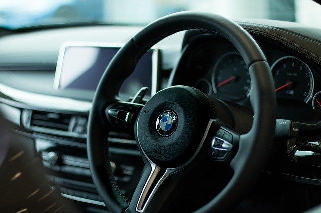 Czy dedykowane zawieszenia pneumatyczne do BMW to opcja warta uwagi?